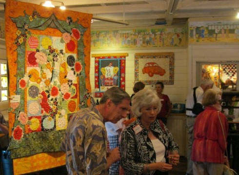 San Ramon Valley Museum quilt show in action!