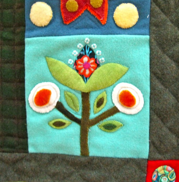 Folk Art Applique quilt - plant detail