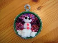 Save your Jar Lids - they make CUUTE snowmen! Thanks, Auntie Marge