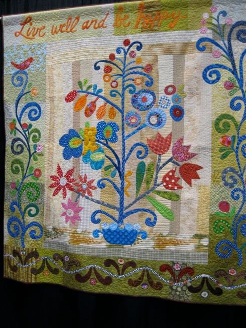 Live Well and Be Happy Quilt