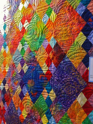 Great colors and great quilting!